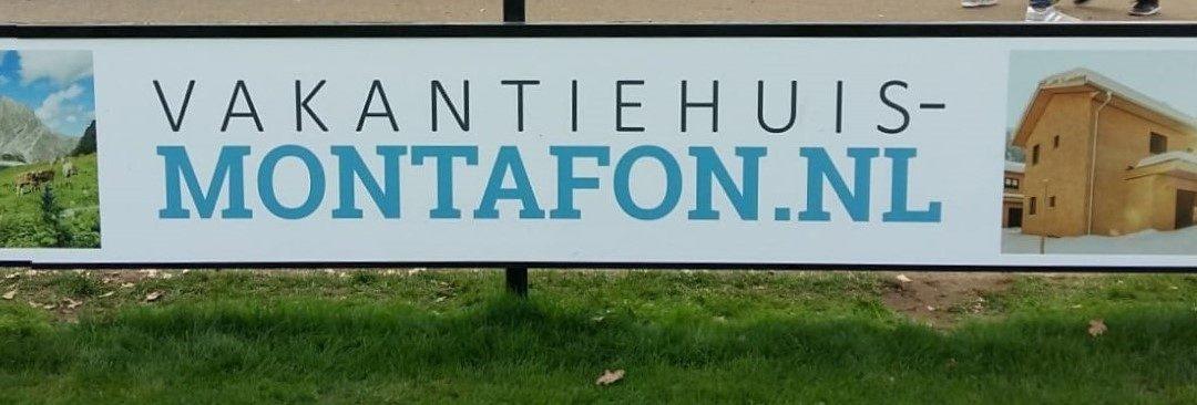 Nieuwe reclameborden: Vakantiehuis Montafon en Bouwkundig Tekenbureau Vliem